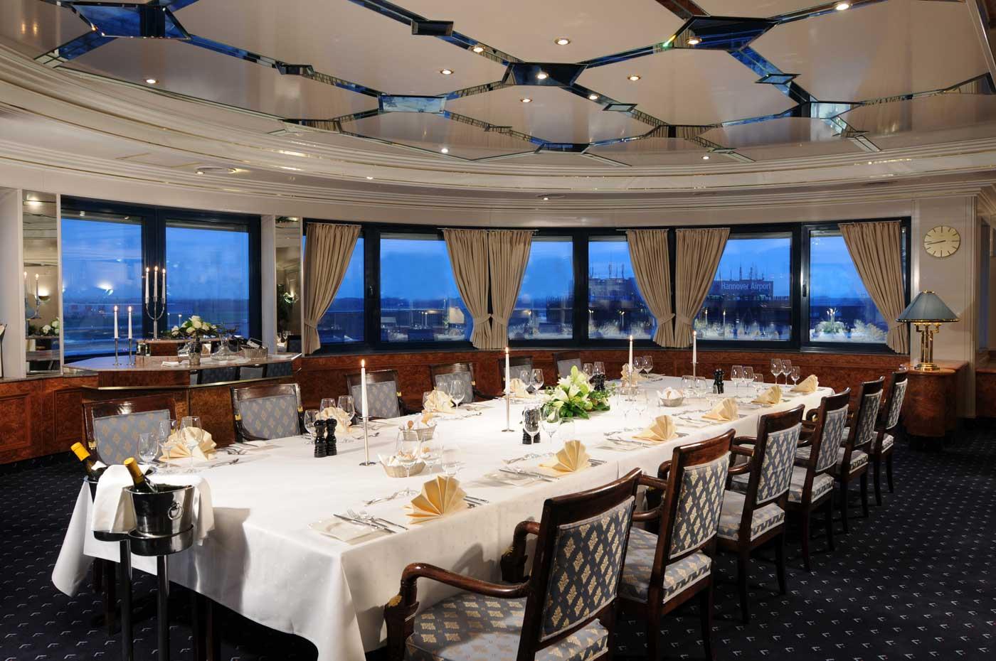 Club Lounge Im Maritim Airport Hotel Hannover Video