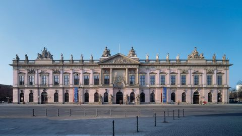 Deutsches Historisches Museum – Zeughaus – Schlüterhof - Museen / Kirchen
