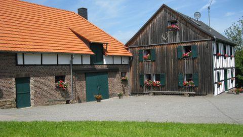 Hofansicht Location Gutshof Forkscheid in Engelskirchen