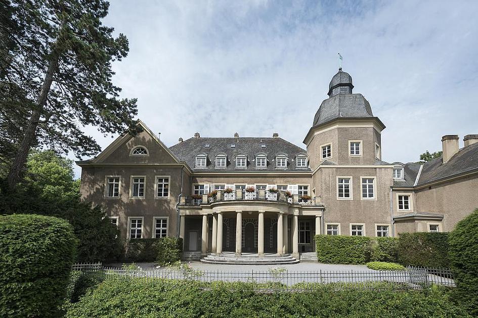 Schloss Ehreshoven Trauungen Und Trauzimmer Fur Hochzeit Nahe